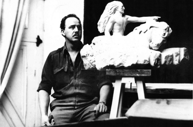 Korczak with Crazy Horse Memorial Model