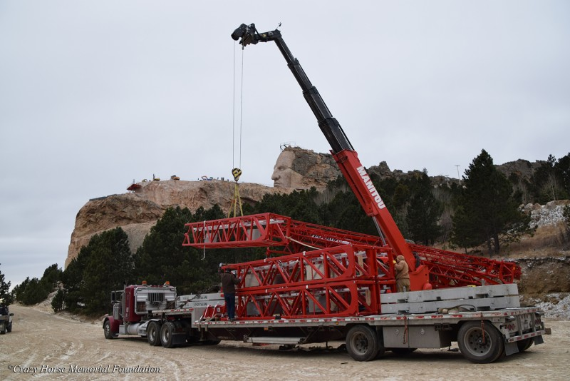 2017 Crane Arrives